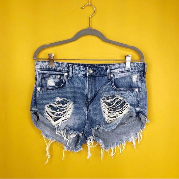 H&M Pants - H &M & DENIM Distressed Denim Jeans Shorts Size 10
